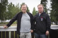 Jouko Martikainen ja Mikko Härkönen ovat miehet Villiviinin takana.