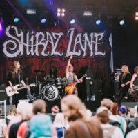 Shiraz Lane toi aurinkoa Ilosaareen. Kuva: Antti Pitkäjärvi