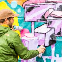 Graffitin tekemisen yksityiskohtaisuus. Kuva: Janina Joutsen