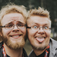 Punapäät saavat Iiro Tuovisen ja Samu Heikinmatin polvet lyömään loukkua.