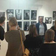 """Ilosaarirock 2017: """"Jatkakaa rokkaamista rasismia vastaan!"""" – Syd Sheltonin valokuvanäyttely kirjastolla."""